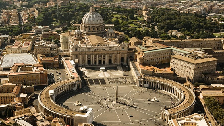 الفاتيكان يحذّر: لن يُعيدوا النازحين
