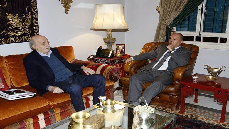 جنبلاط التقى السفير الكوبي وعرض معه التطورات