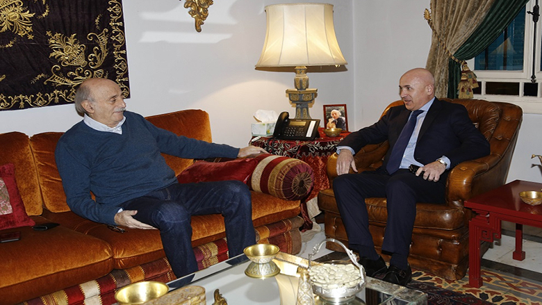 جنبلاط عرض مع سفير الارجنتين التطورات السياسية