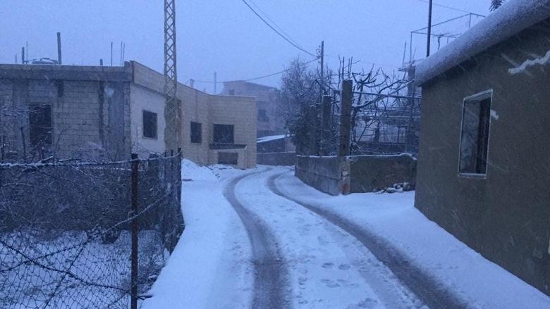 الثلوج قطعت طرقا مختلفة في راشيا والجرافات تعمل على فتحها