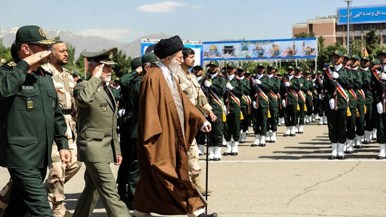 إيران... سنة تحصين النظام
