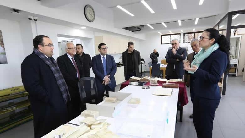 محافظ جبل لبنان إطلع على ترميم الوثائق في جامعة الكسليك