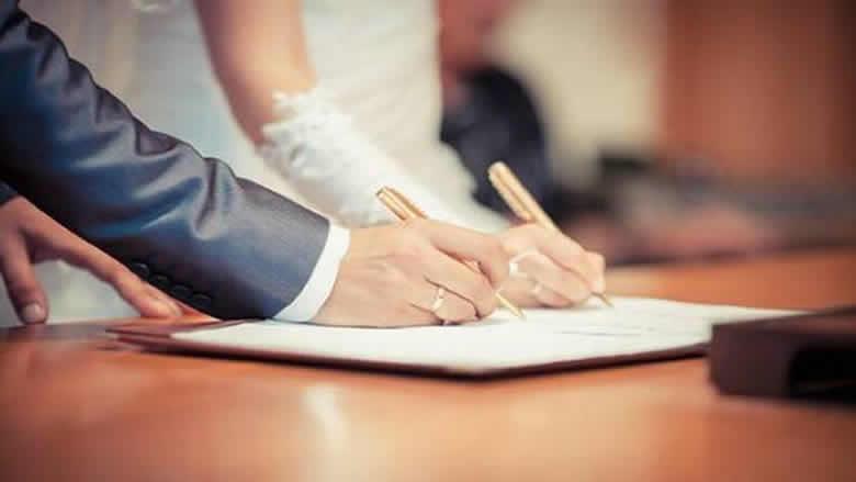 مشروعان ممنوعان في لبنان: الإصلاح الإداري والزواج المدني