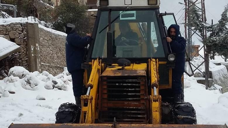 """الثلوج لامست الـ800 مترا في راشيا والبقاع الغربي... واتحادات البلديات و""""الاشغال"""" واكبت العاصفة"""
