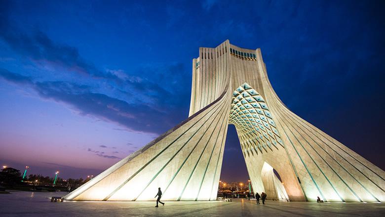 طهران: الهجوم على ناقلة النفط الإيرانية مغامرة خطرة