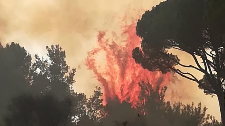 """بعد اتصالات """"التقدمي""""... الاردن ترسل طوافة للمساعدة بإطفاء الحرائق"""