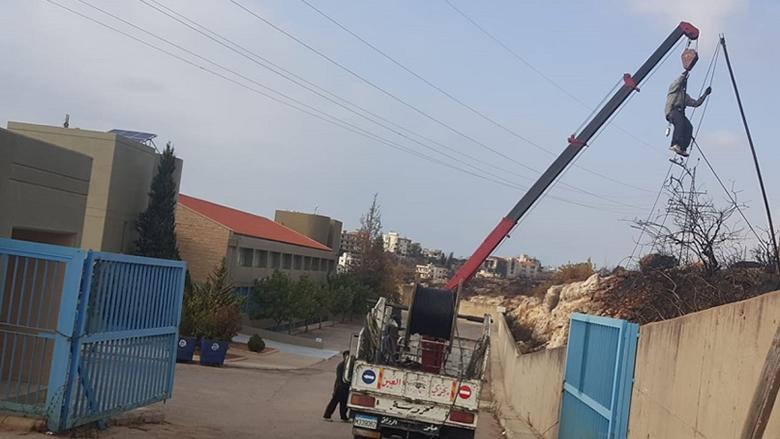 النائب جنبلاط يوفر الكهرباء إلى مجمع المدارس في الدامور بعد الحرائق
