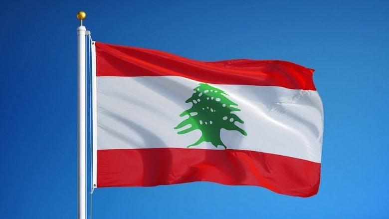 جنبلاط يؤكد مجدداً: العلم اللبناني حصراً