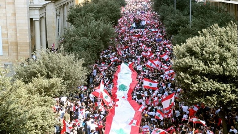 اقتصاديًا وسياسيًا.. هذه السيناريوهات المطروحة للحلّ في لبنان