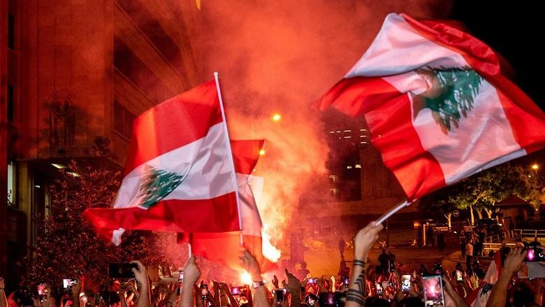 قراءة هادئة للاحتجاجات الصاخبة: الرهان على النظام الطائفي مستمر!