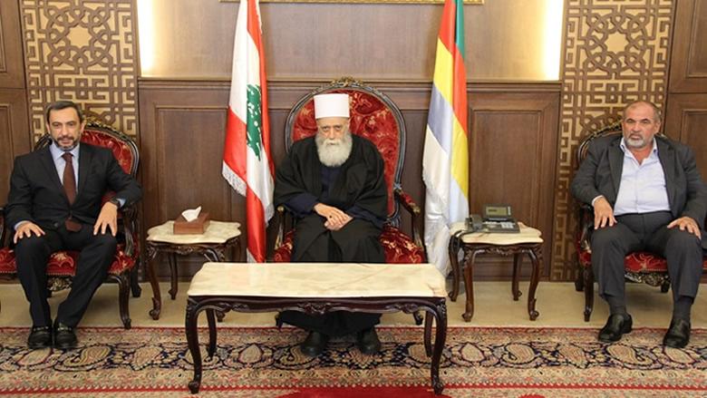 """شيخ العقل يلتقي وفداً من """"الجماعة الإسلامية""""وقائد جهاز أمن السفارات"""