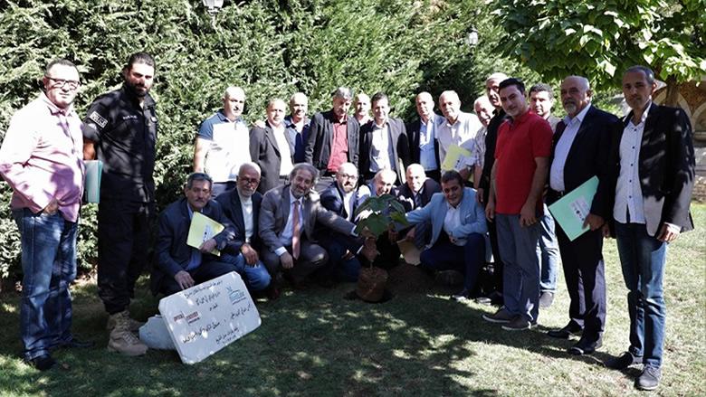 """هذا ما فعله اتحاد بلديات جبل الشيخ في زراعة """"الزيتون"""""""