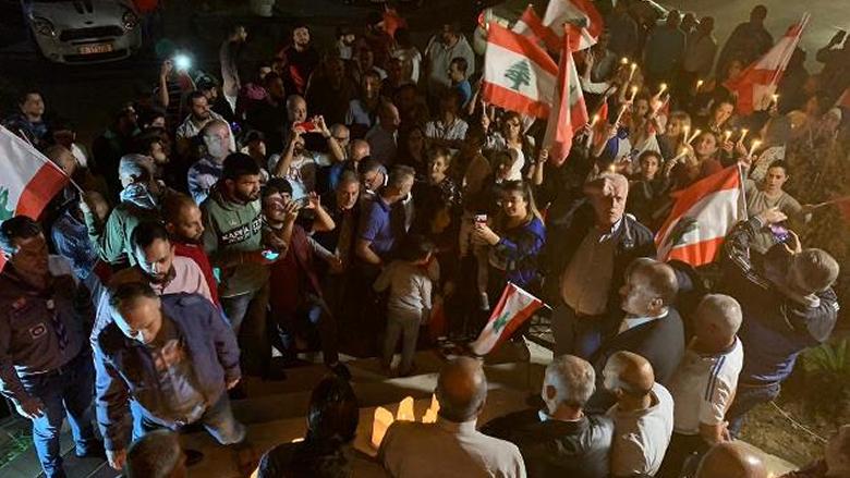 وقفة تضامنية واضاءة شموع في اقليم الخروب وعبدالله:  اللحظة هي وفاء للرفيق المناضل علاء ابو فخر