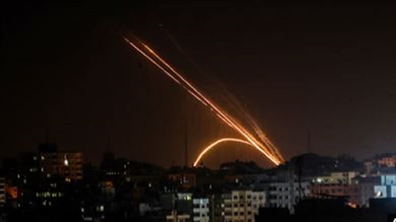 الجيش الإسرائيلي يشن غارات عدة على مواقع لحماس في غزة