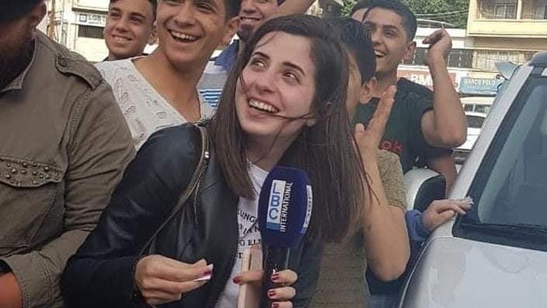 بعد تغطيتها ليلة عين الرمانة... رنيم بو خزام تتصدر مواقع التواصل