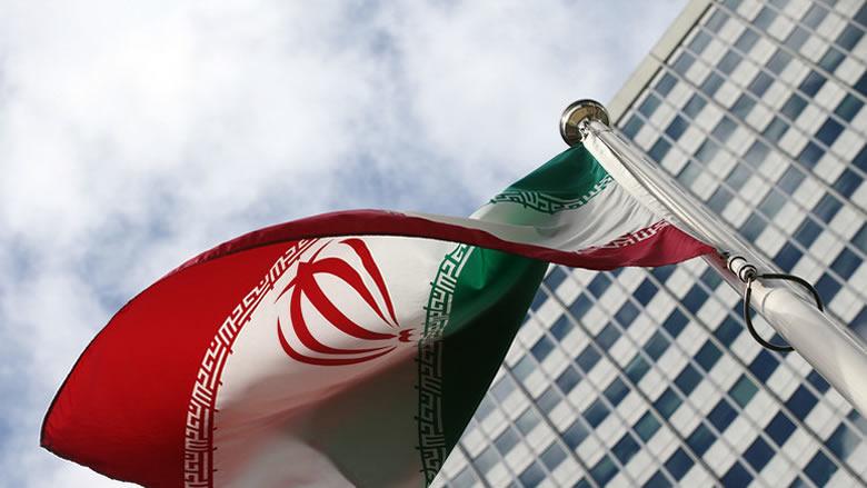إيران تطالب العراق بتحرّك حازم
