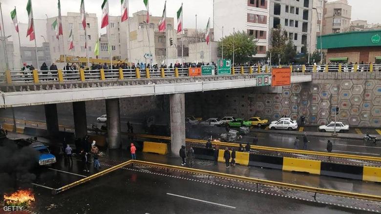 """فورين بوليسي"": إيران تواجه 3 ثورات... وفقراؤها يزيدون"