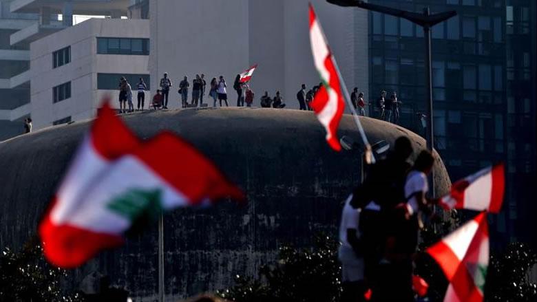 ازدواجية تعكس قلقاً سياسياً لبنانياً واسعاً