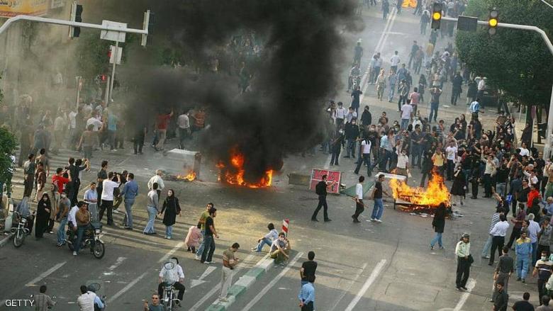 التظاهرات تعود في إيران وسط تشدد أمني كبير