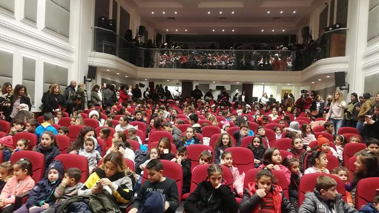 عرض مسرحي وترفيهي لأكثر من ألف طفل في الشوف