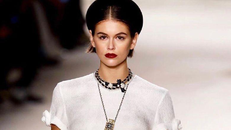 كيف كان عرض أزياء شانيل الأخير في باريس؟