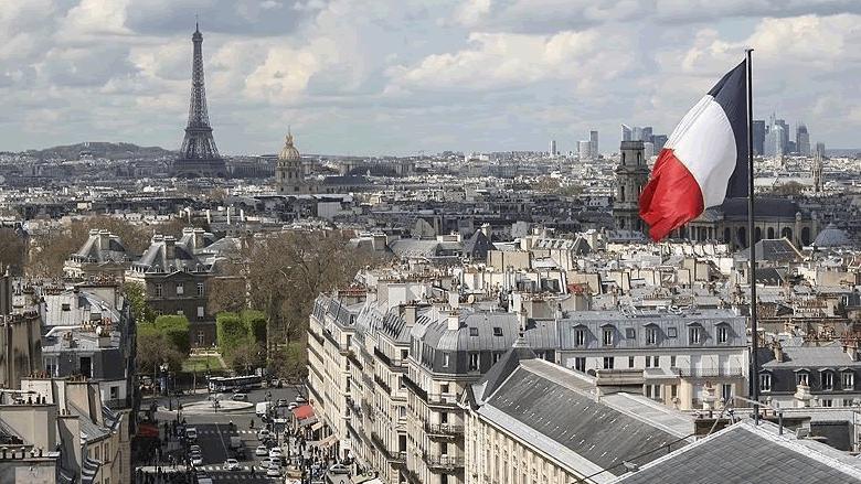 المخاوف كثيرة والعين على اجتماع باريس
