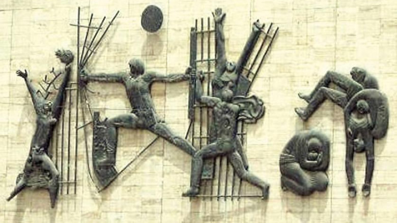 """جنبلاط ينشر صورة لـ""""نصب الحرية"""" في بغداد"""