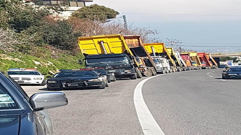 اعتصام لأصحاب الشاحنات على أوتوستراد الصفراء