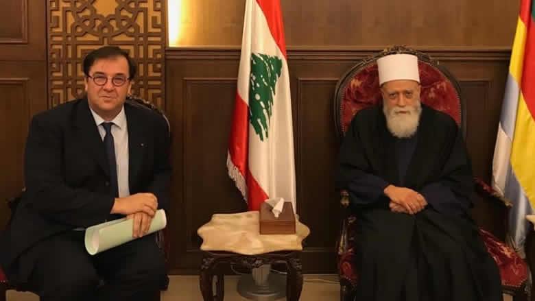 الشيخ حسن عرض مع السفير الفرنسي الأوضاع واستقبل ناصر