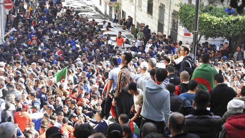 الأخضر الإبراهيمي: هل يكون الحل الجزائري؟