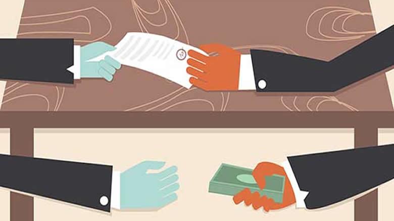 عن محاربة الفساد والتجاذبات السياسية