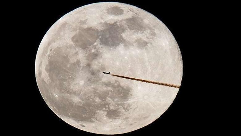 الليلة.. الأرض تشهد القمر العملاق الأخير