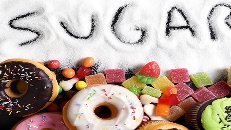 ما علاقة النوم بتناول السكر؟