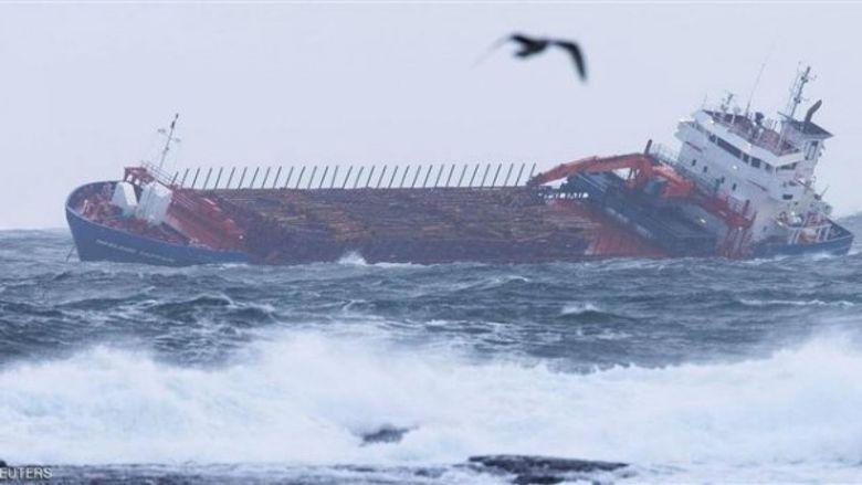 ألف شخص مازالوا عالقين في سفينة النرويج المنكوبة