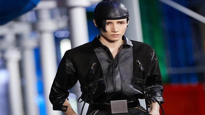 لوي فيتون يطلق مجموعة الملابس الجاهزة في باريس