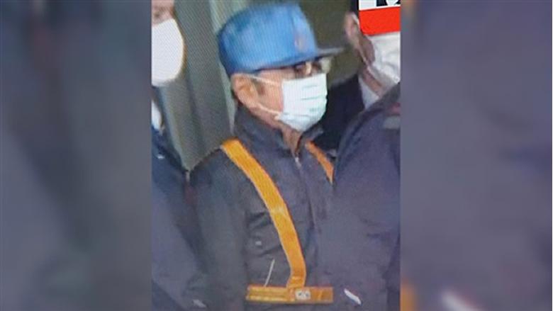 كارلوس غصن في اول صورة له بعد دفع كفالة مليار ين ياباني
