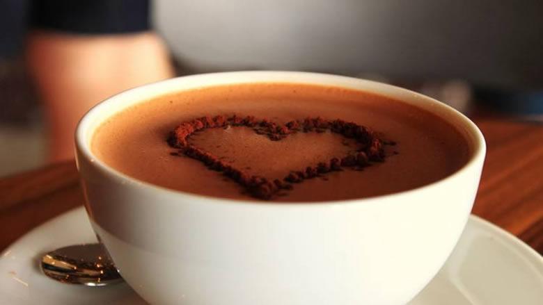 كيف يساعد الكاكاو مرضى التصلب المتعدد في التغلب على الإرهاق؟