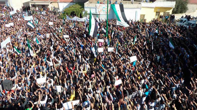 قبل خمس سنوات بالتمامثلاثة خبراء غربيين وروسي يراجعون انطلاقة الثورة السورية وتعثّرها
