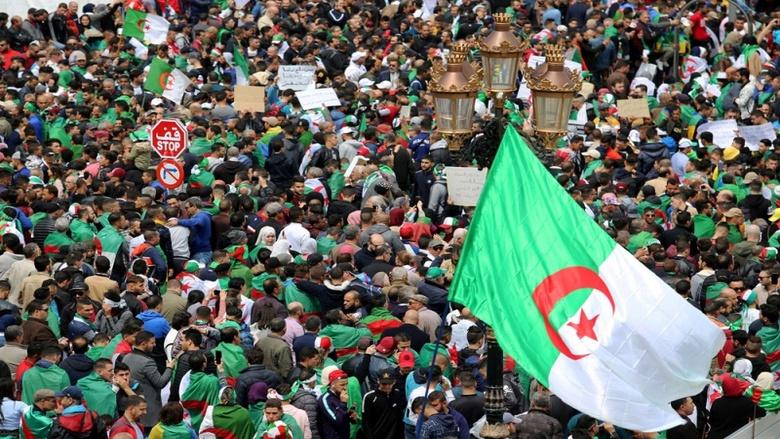 الجيش والشباب والموجة الجديدة للحراك الثوري العربي