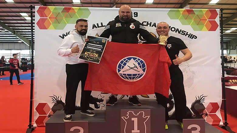 """أبو شقرا يحرز لقب حزام بطولة العالم في """"الكونغ فو"""" للعام الثالث على التوالي"""