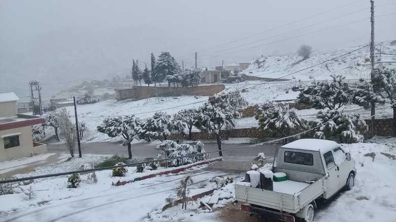 الثلوج تغطي قرى راشيا والبقاع الغربي