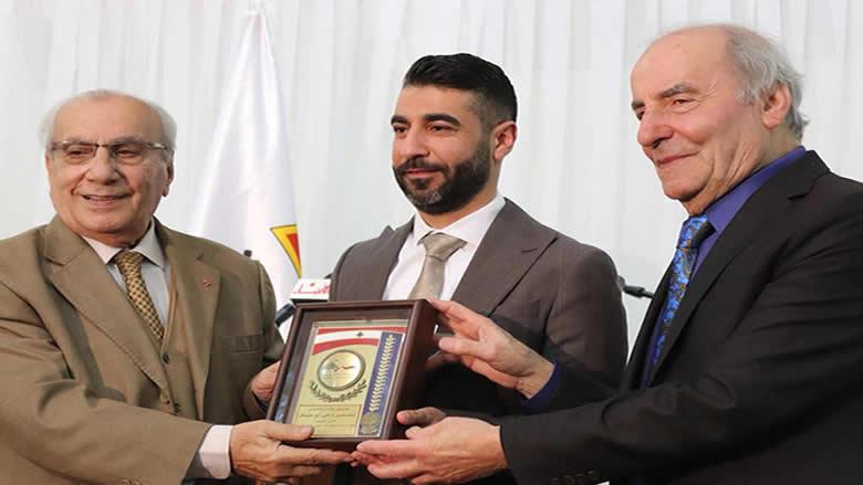 #فيديو_الأنباء: الفارس في الشعر الشعبي ناجي ابو عساف ...مكرّماً في بلدته بشامون