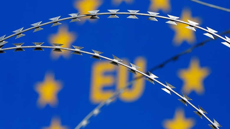 """الاتحاد الأوروبي يشيد """"بالتمسك القوي"""" لأوكرانيا بالديموقراطية"""