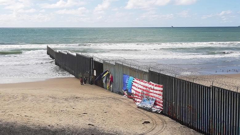 البنتاغون يعتزم إرسال 320 جنديا اضافيا الى الحدود مع المكسيك