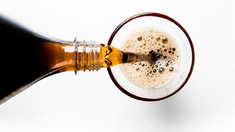 المشروبات الغازية لا تساعد على الهضم في رمضان
