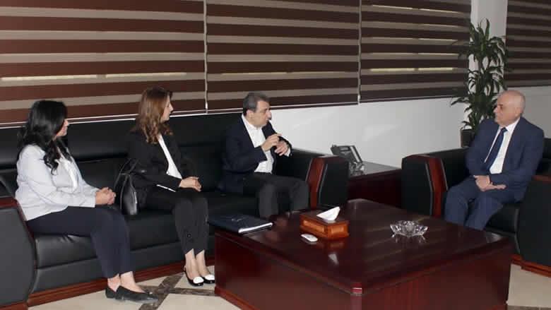 لقاء بين وزيري الصحة والصناعة... أبو فاعور: نعمل لتشجيع الصناعة الدوائية
