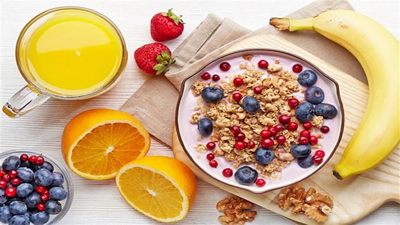 بأفكار بسيطة... إفطار صحي يمنح النشاط طوال اليوم
