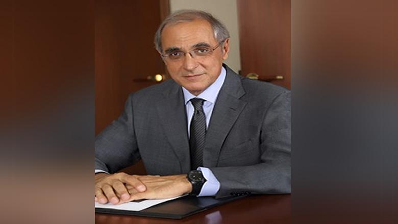 حلو: لبنانيون يتسلقون القمم فيما السياسة تشد البلد نزولا
