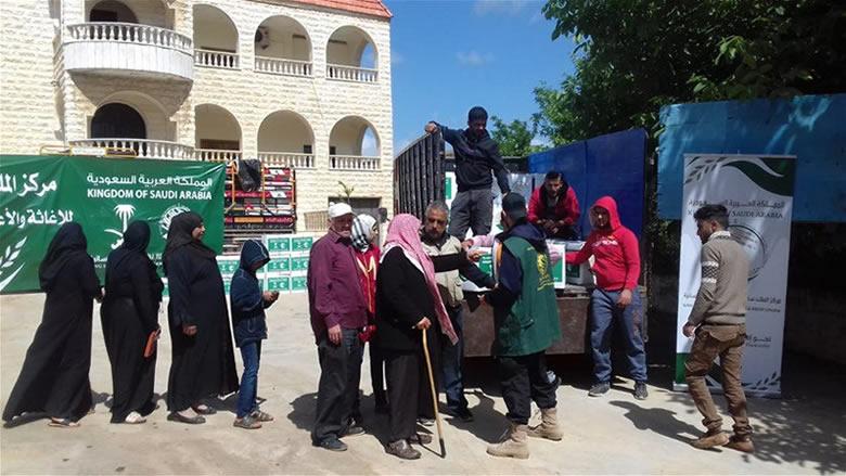 مركز الملك سلمان للإغاثة يوزع 1863 سلة غذائية رمضانية