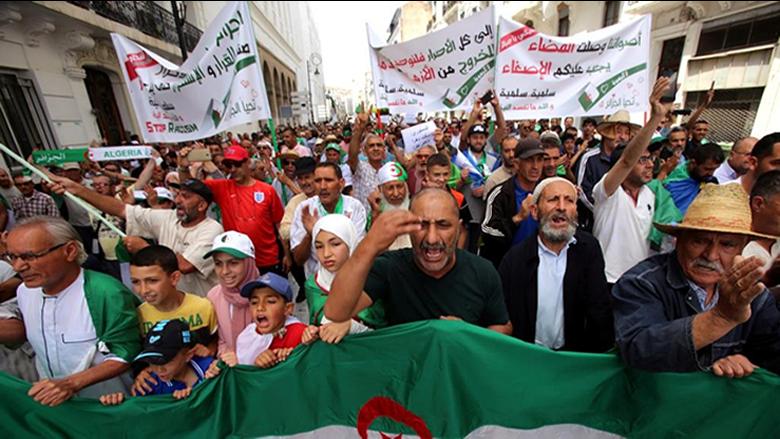 المرحلة الإنتقالية في الجزائر لا تزال على صخبها... ودعوات لرحيل أركان النظام